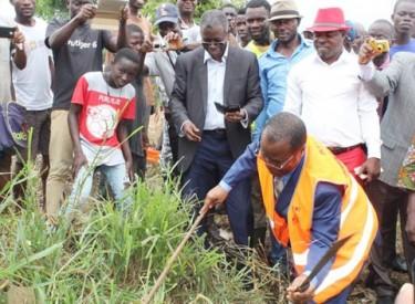 Lancement à Yamoussoukro des travaux manuels d'entretien routier