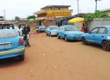 Côte d'Ivoire / San Pedro : les chauffeurs de taxis communaux en grève pour protester contre l'état des routes