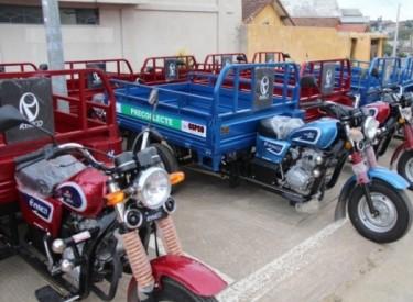 Port-Bouët : Une gare de tricycles improvisée près de l'entrée de l'abattoir