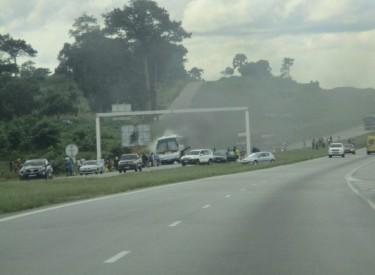Autoroute du Nord: un autocar en feu au Pk 146, ce dimanche