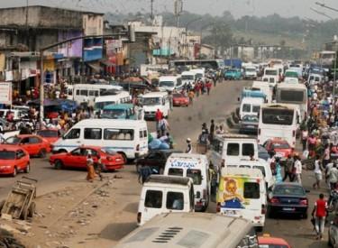 Axes bientôt interdits aux gbaka et Wôrô-Wôrô : Que propose-t-on aux usagers ?