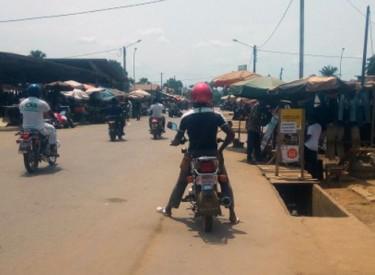 Le port de casques désormais exigé aux motocyclistes à M'Bahiakro et Prikro