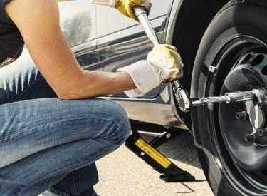 Quelles sont les étapes pour changer un pneu ?