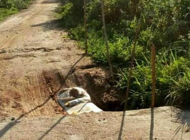Le pont entre Nangoniékaha et Arikokaha en état de dégradation