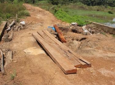 La principale voie d'accès à Dualla (Séguéla) fortement dégradée