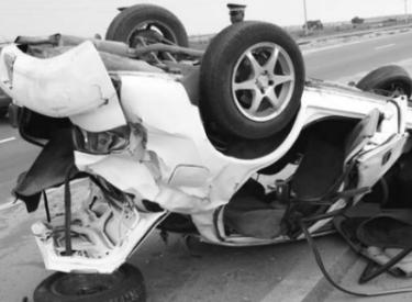 Accident de la circulation : Un véhicule fait plusieurs tonneaux